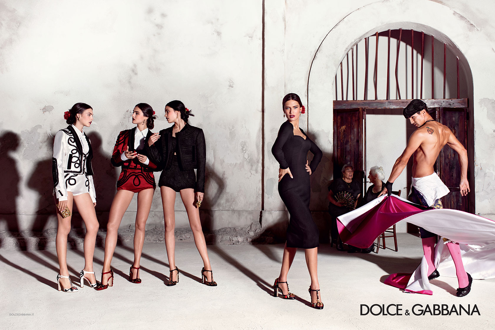 65fc0acc dolce-and-gabbana-summer-2015-women-advertising-campaign-01-zoom ...